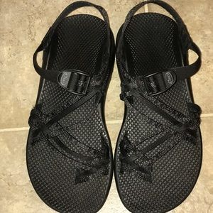 Chacos 10 wide